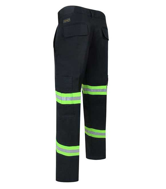 UNLINED PANTS WITH CARGO POCKETS AND REFLECTIVE ST